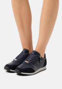 Mexx - FEDERICA - Baskets basses - navy - 4