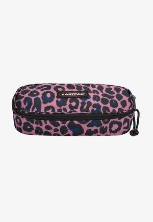 Wash bag - safari leopard