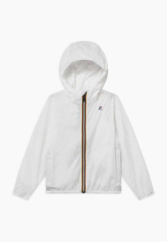 LE VRAI CLAUDE - Waterproof jacket - white