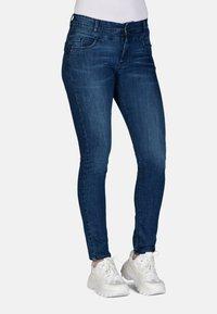 Cero & Etage - Slim fit jeans - medium blue w use - 0