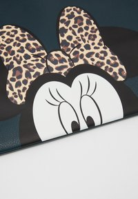Kidzroom - MINNIE MOUSE MOST WANTED ICON - Tote bag - green - 3