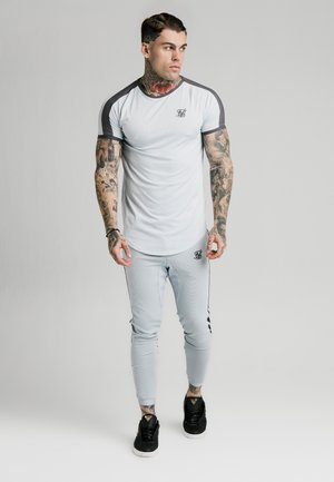 PANEL EYELET TECH TEE - Basic T-shirt - ice grey