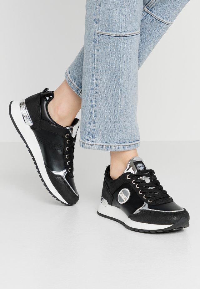 TRAVIS PUNK - Sneaker low - dark silver