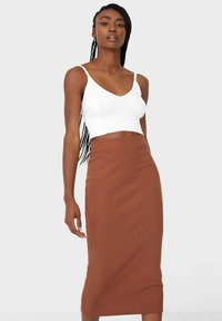 Stradivarius - GESTRICKTER - Pleated skirt - brown - 0