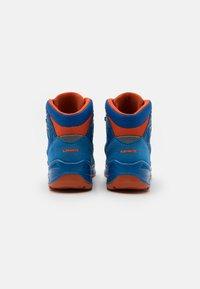 Lowa - INNOX PRO GTX MID JUNIOR UNISEX - Hiking shoes - blau/orange - 2