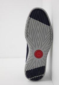UGG - UNION DERBY HYPERWEAVE - Sneakersy niskie - navy - 4