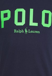 Polo Ralph Lauren - Triko s potiskem - french navy/neon green - 5