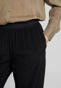 Samsøe Samsøe - NESSIE  - Trousers - black - 5