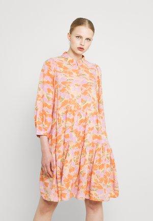 YASJUNA DRESS - Abito a camicia - light pink