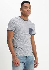 Pier One - Print T-shirt - blue - 0