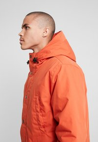 Carhartt WIP - TROPPER - Parka - brick orange - 4