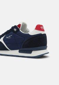 Pepe Jeans - BRITT MAN - Sneakers - navy - 4