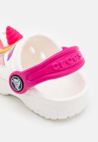 Crocs - CLASSIC I AM UNICORN - Pantofle - white - 5