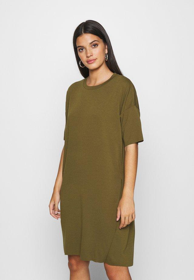 REGITZA - Žerzejové šaty - dark olive