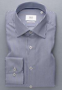 Eterna - SLIM FIT - Formal shirt - marine/weiß - 4