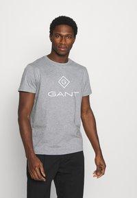 GANT - LOCK UP  - T-shirt med print - grey melange - 0