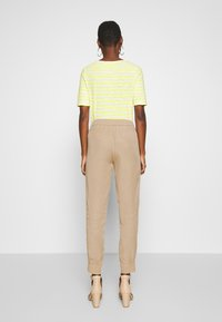 Marc O'Polo - LONTTA - Tracksuit bottoms - swedish pine - 2