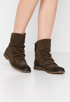 CLASH - Classic ankle boots - militar