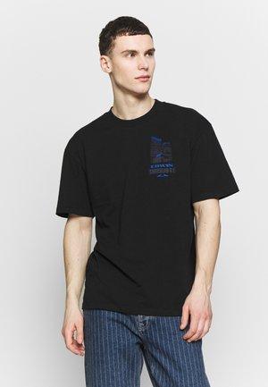SURVEILLANCE - T-shirt con stampa - black