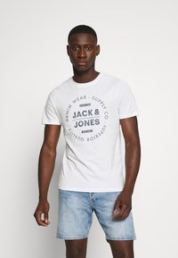 Jack & Jones - Print T-shirt - cloud dancer - 0