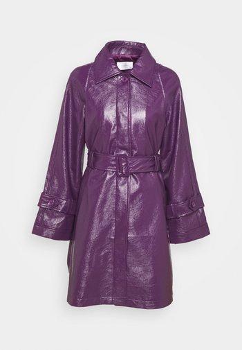 CORA TORI SHORT - Classic coat - purple