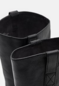 Madewell - WINSLOW KNEE HIGH BOOT - Vysoká obuv - true black - 5