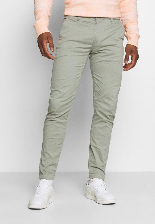 SLIM - Chino kalhoty - greens