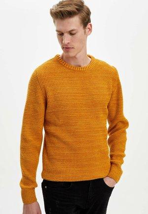 SLIM FIT  - Jumper - yellow