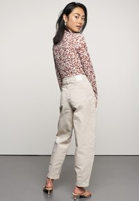 Catwalk Junkie - Trousers - white sand - 1