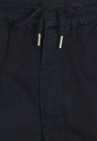 Folk - DRAWCORD TROUSERS - Pantalon classique - deep navy - 2