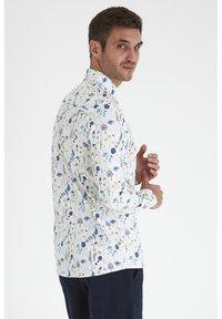 Tailored Originals - Camisa - white - 2