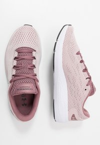 Under Armour - CHARGED PURSUIT 2 - Zapatillas de running neutras - dash pink/white/jet gray - 1