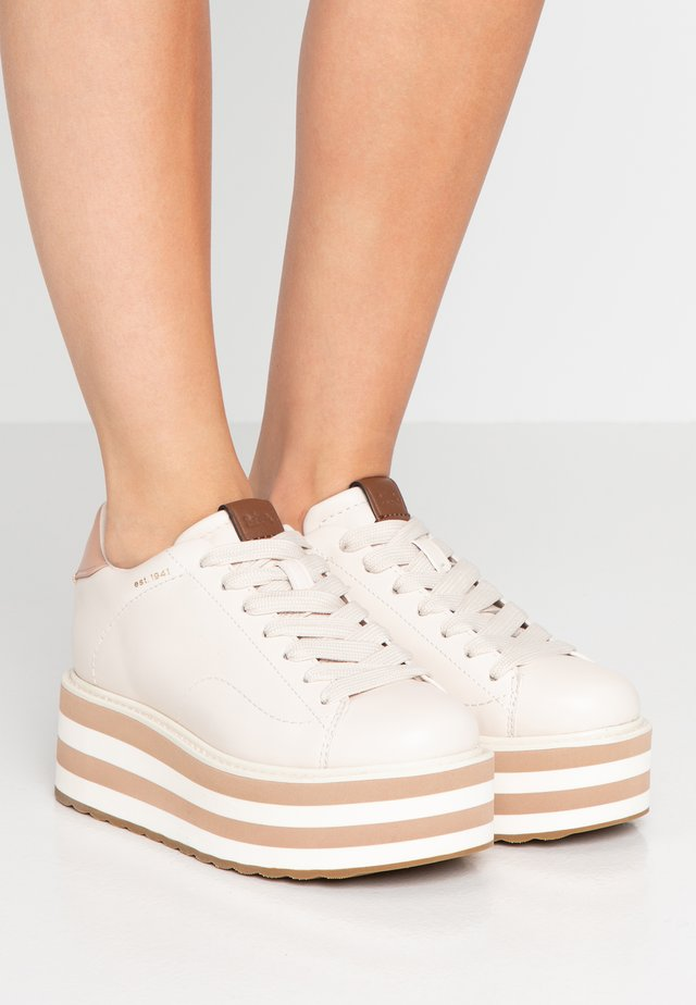 PLATFORM - Sneakersy niskie - chalk/pale blush