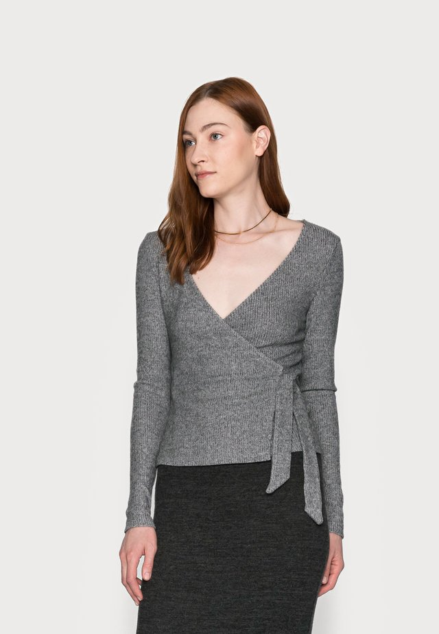 BRUSHED BALLET WRAP - Svetr - grey