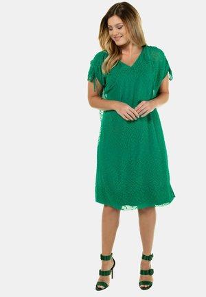 MODERN SWISS DOT LAYERED - Jersey dress - green