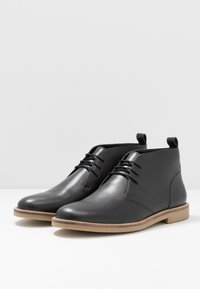 Jacamo - EXTRA WIDE FIT CHUKKA - Casual lace-ups - black - 2