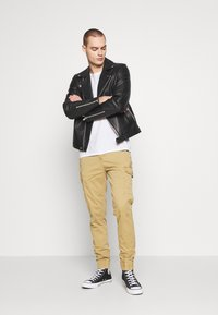 Blend - Cargo trousers - sand brown - 1