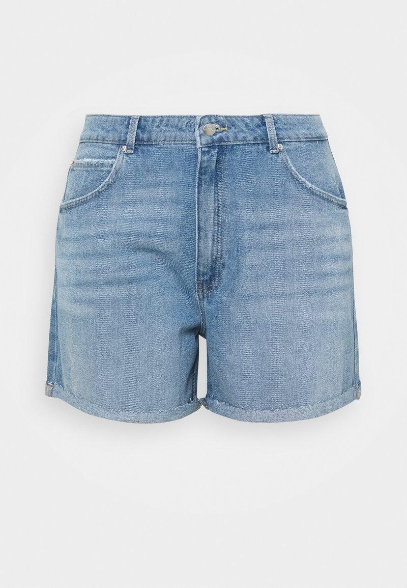 ONLY Carmakoma - CARFREYA LIFE - Shorts di jeans - light blue denim