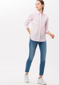 BRAX - STYLE VICTORIA - Button-down blouse - rose - 1