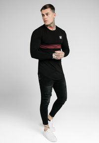SIKSILK - CUT & SEW TEE - Langarmshirt - black/wine - 1