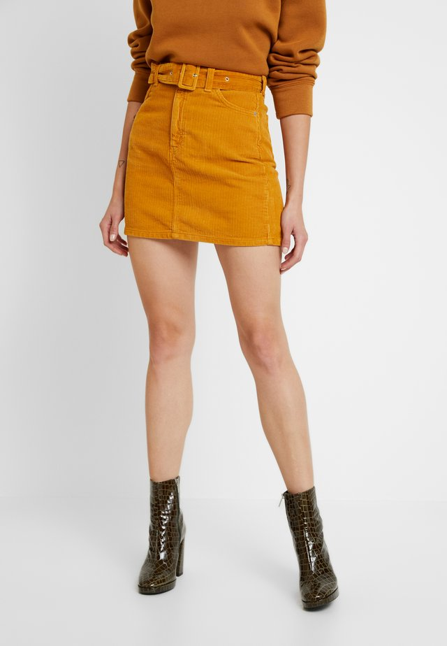 SELF BELT - Mini skirt - mustard
