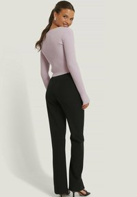NA-KD - Pantalon classique - black - 3
