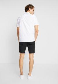 Burton Menswear London - PINEAPPLE - Shirt - white - 2