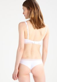 Palmers - SENSES  - Triangle bra - weiss - 2