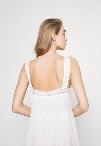 Pepe Jeans - BRENDA - Długa sukienka - off white - 4
