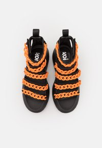 Koi Footwear - VEGAN STRIDENT CHAIN  - Platform sandals - black - 4
