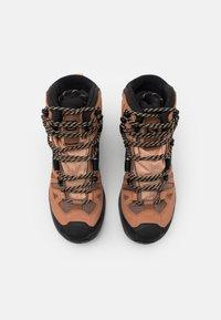 Salomon - QUEST 4 GTX - Hiking shoes - sirocco/mocha mousse/almond cream - 3