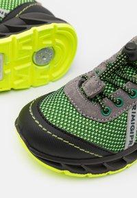Primigi - Sneakersy niskie - verde mela/nero - 5