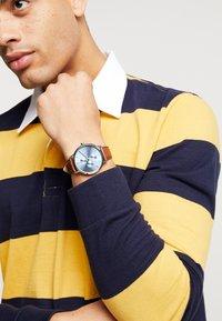 Armani Exchange - Watch - brown - 0