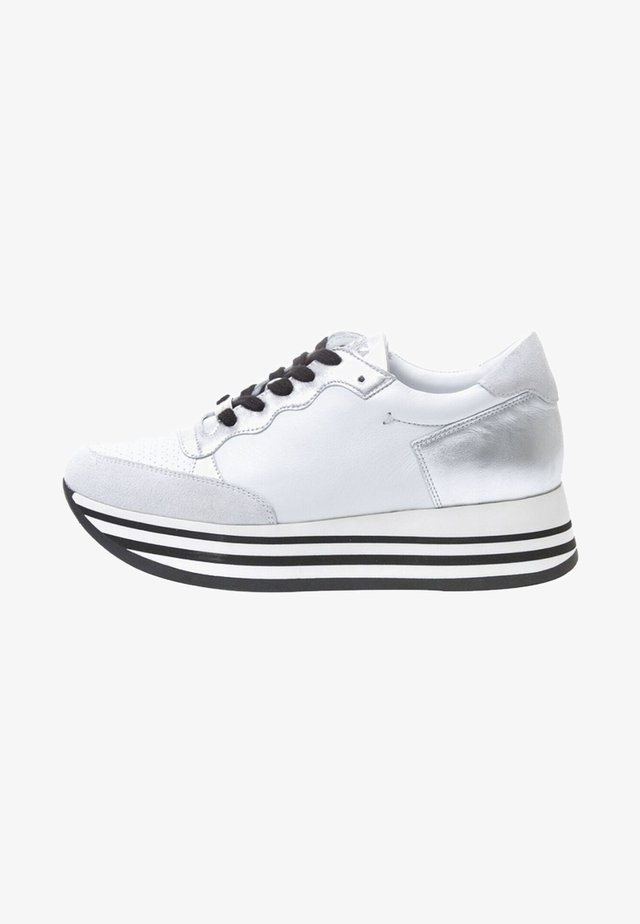 STRIPY - Trainers - white
